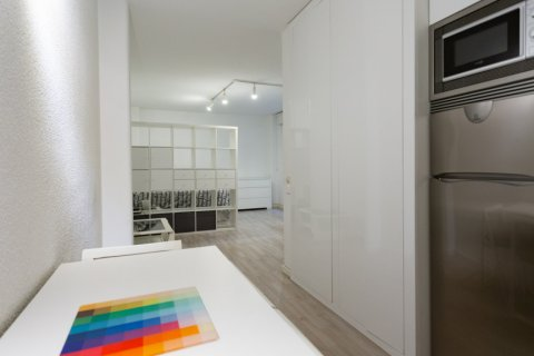 Apartment for sale in Madrid, Spain, 1 bedroom, 47.00m2, No. 2337 – photo 13