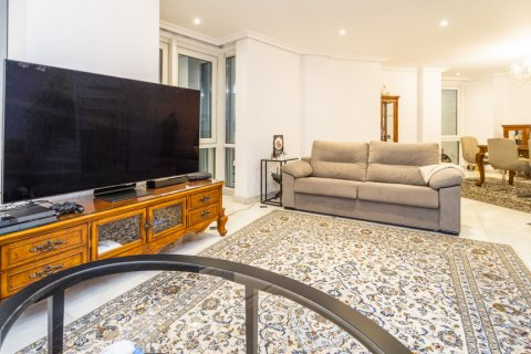 Duplex for sale in Madrid, Spain, 3 bedrooms, 152.00m2, No. 2445 – photo 5