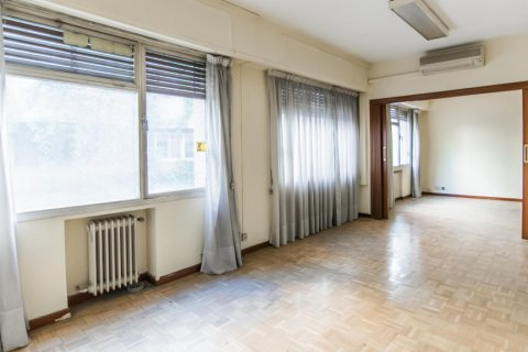 Apartment for sale in Madrid, Spain, 4 bedrooms, 261.00m2, No. 1652 – photo 7