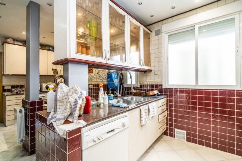 Apartment for sale in Madrid, Spain, 3 bedrooms, 132.00m2, No. 1868 – photo 29