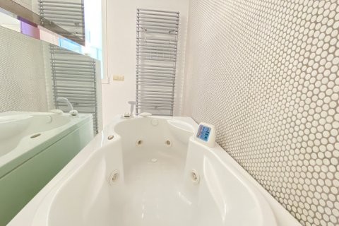 Apartment for rent in Madrid, Spain, 4 bedrooms, 150.00m2, No. 2728 – photo 15
