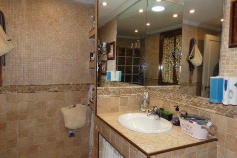 Duplex for sale in Cadiz, Spain, 3 bedrooms, 187.00m2, No. 1611 – photo 13