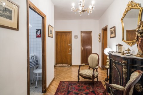 Apartment for sale in Madrid, Spain, 6 bedrooms, 291.00m2, No. 2275 – photo 14