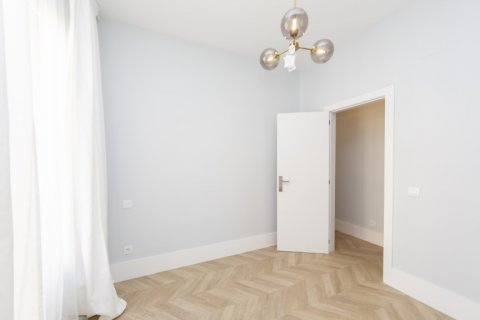 Apartment for sale in Madrid, Spain, 3 bedrooms, 69.00m2, No. 2315 – photo 14
