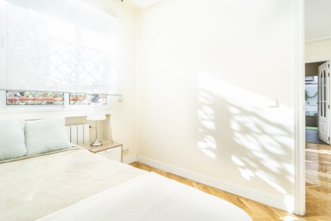 Apartment for sale in Madrid, Spain, 2 bedrooms, 80.00m2, No. 2516 – photo 24