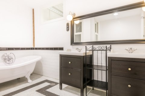 Apartment for sale in Madrid, Spain, 3 bedrooms, 215.00m2, No. 2448 – photo 19
