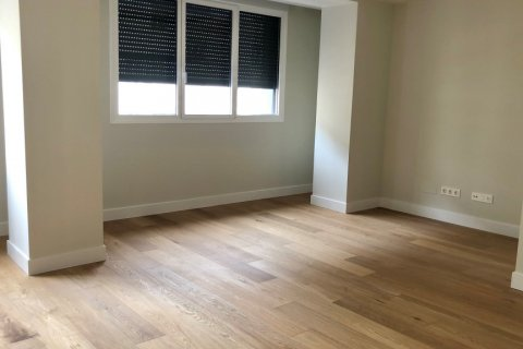 Apartment for rent in Madrid, Spain, 3 bedrooms, 185.00m2, No. 2583 – photo 8