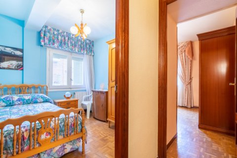 Apartment for sale in Madrid, Spain, 3 bedrooms, 73.00m2, No. 1801 – photo 20