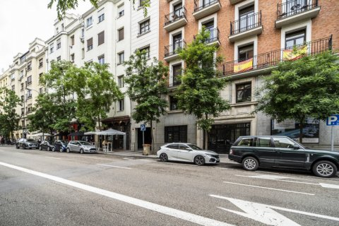 Apartment for sale in Madrid, Spain, 3 bedrooms, 185.00m2, No. 2630 – photo 17