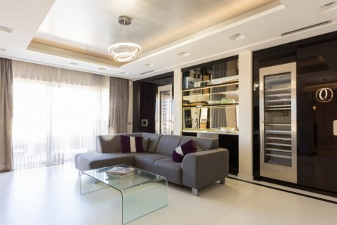 Penthouse for rent in Madrid, Spain, 4 bedrooms, 270.00m2, No. 1492 – photo 3