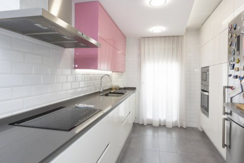 Apartment for sale in Parla, Madrid, Spain, 3 bedrooms, 133.00m2, No. 2615 – photo 1