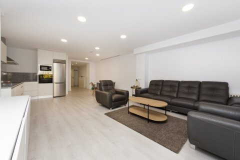 Apartment for sale in Madrid, Spain, 4 bedrooms, 218.00m2, No. 2124 – photo 17