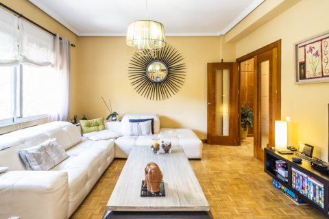 Apartment for sale in Madrid, Spain, 5 bedrooms, 232.00m2, No. 2190 – photo 2