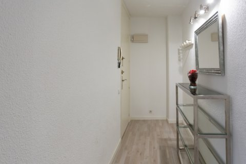 Apartment for sale in Madrid, Spain, 1 bedroom, 47.00m2, No. 2337 – photo 6