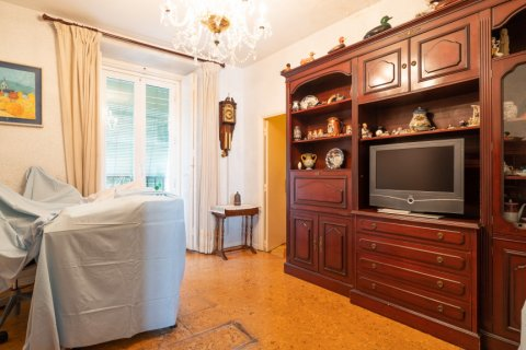 Apartment for sale in Madrid, Spain, 6 bedrooms, 219.00m2, No. 2357 – photo 3