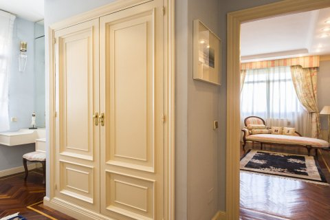 Duplex for sale in Madrid, Spain, 5 bedrooms, 514.00m2, No. 1493 – photo 21