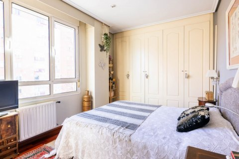 Apartment for sale in Madrid, Spain, 4 bedrooms, 152.00m2, No. 2702 – photo 28