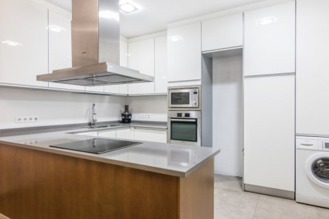 Apartment for sale in Madrid, Spain, 3 bedrooms, 96.00m2, No. 1966 – photo 30