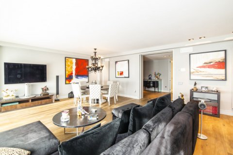 Apartment for sale in Madrid, Spain, 3 bedrooms, 322.00m2, No. 2564 – photo 5