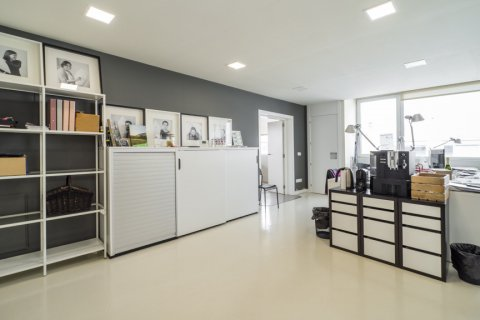 Duplex for sale in Madrid, Spain, 3 bedrooms, 150.00m2, No. 2671 – photo 16