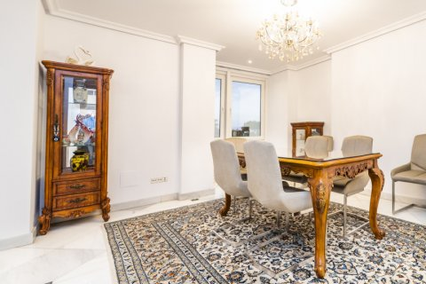 Duplex for sale in Madrid, Spain, 3 bedrooms, 152.00m2, No. 2445 – photo 7