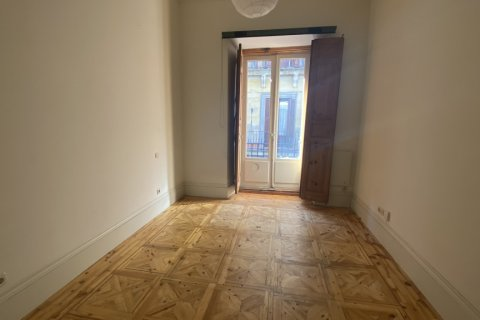 Apartment for rent in Madrid, Spain, 3 bedrooms, 90.00m2, No. 2730 – photo 13