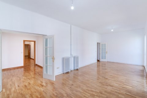 Apartment for rent in Madrid, Spain, 2 bedrooms, 120.00m2, No. 1464 – photo 28