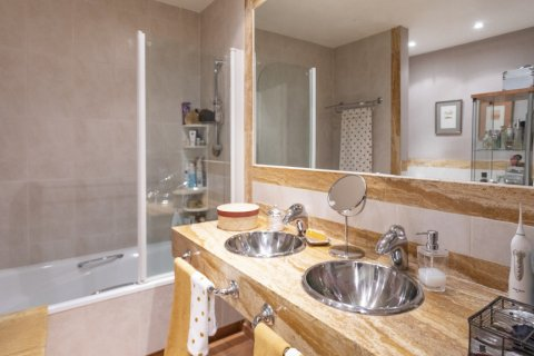 Apartment for sale in Madrid, Spain, 3 bedrooms, 227.00m2, No. 1943 – photo 11