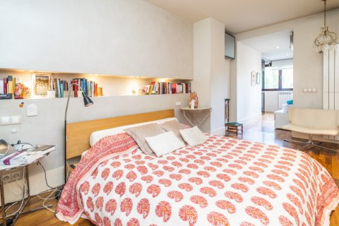Apartment for sale in Madrid, Spain, 4 bedrooms, 200.00m2, No. 2162 – photo 12