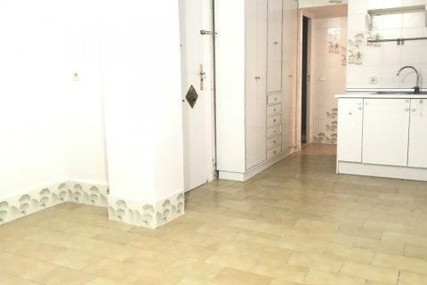 Apartment for rent in Madrid, Spain, 3 bedrooms, 127.00m2, No. 2014 – photo 17