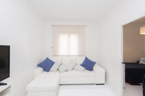Apartment for sale in Madrid, Spain, 2 bedrooms, 46.00m2, No. 2423 – photo 2