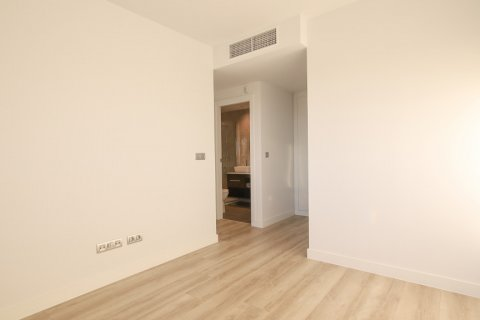 Apartment for sale in Madrid, Spain, 4 bedrooms, 200.00m2, No. 2361 – photo 17