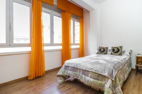 Apartment for sale in Madrid, Spain, 3 bedrooms, 88.00m2, No. 2453 – photo 19
