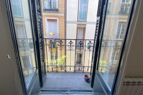 Apartment for rent in Madrid, Spain, 2 bedrooms, 100.00m2, No. 1605 – photo 2