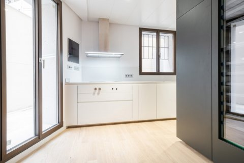 Apartment for sale in Madrid, Spain, 2 bedrooms, 157.00m2, No. 2070 – photo 8