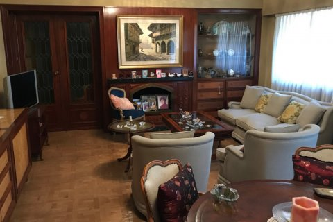 Apartment for sale in Madrid, Spain, 6 bedrooms, 216.00m2, No. 2002 – photo 17