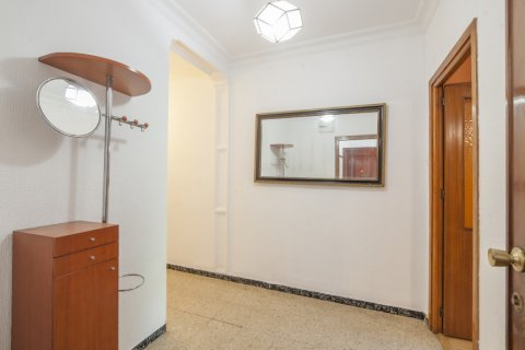 Apartment for sale in Sevilla, Seville, Spain, 5 bedrooms, 123.00m2, No. 2358 – photo 11