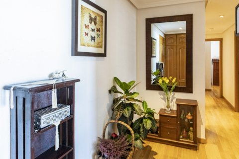 Apartment for sale in Madrid, Spain, 2 bedrooms, 91.00m2, No. 2073 – photo 4