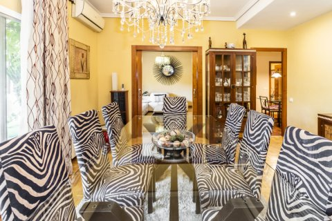 Apartment for sale in Madrid, Spain, 5 bedrooms, 232.00m2, No. 2190 – photo 8