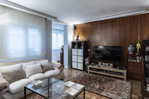 Apartment for sale in Madrid, Spain, 4 bedrooms, 122.00m2, No. 2013 – photo 8