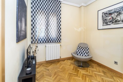 Apartment for sale in Madrid, Spain, 4 bedrooms, 122.51m2, No. 2192 – photo 16