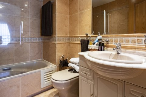 Apartment for sale in Madrid, Spain, 2 bedrooms, 91.00m2, No. 2073 – photo 11