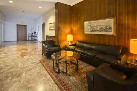 Apartment for sale in Madrid, Spain, 4 bedrooms, 213.00m2, No. 2415 – photo 7
