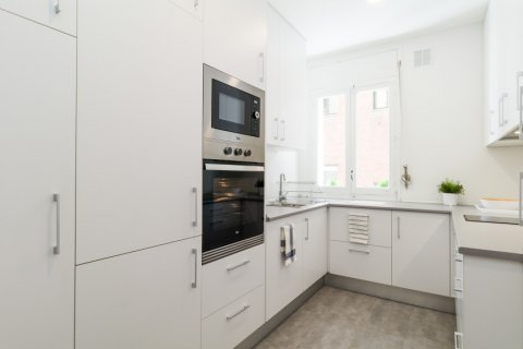 Apartment for sale in Madrid, Spain, 4 bedrooms, 140.00m2, No. 1743 – photo 12