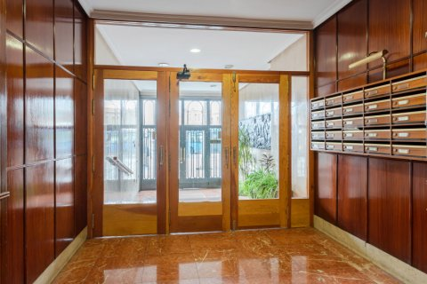 Apartment for sale in Madrid, Spain, 3 bedrooms, 147.00m2, No. 2026 – photo 22