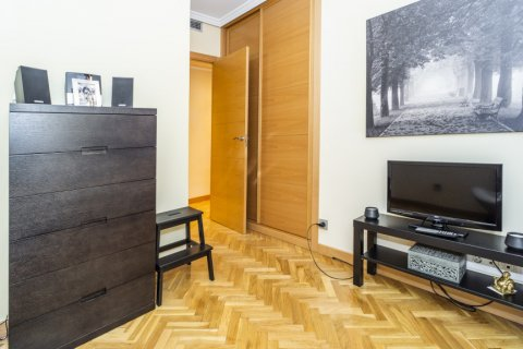 Apartment for sale in Madrid, Spain, 4 bedrooms, 122.51m2, No. 2192 – photo 18