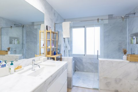 Apartment for sale in Madrid, Spain, 4 bedrooms, 330.00m2, No. 2353 – photo 17
