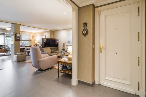 Apartment for sale in Alcobendas, Madrid, Spain, 4 bedrooms, 160.00m2, No. 1964 – photo 17