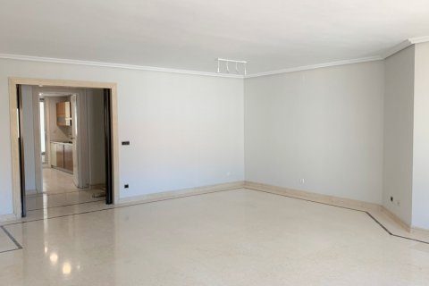 Apartment for rent in Madrid, Spain, 4 bedrooms, 180.00m2, No. 1843 – photo 6