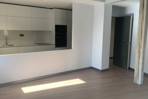 Apartment for rent in Madrid, Spain, 3 bedrooms, 170.00m2, No. 1932 – photo 2
